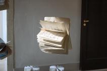 """""""Devo fare le aste e non disegnare fiorellini"""" - Installation View. Palazzo Pisani, Longo (VI. 2013"""
